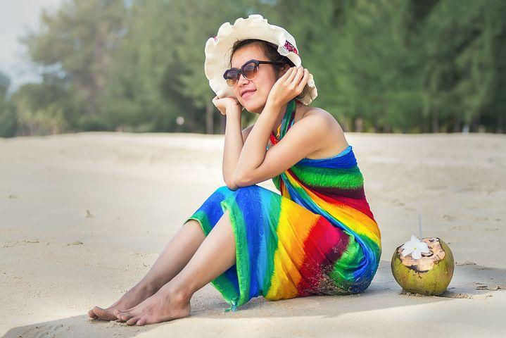 5 Ways to tie-up a Sarong Beach Dress woman